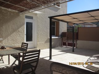 Nice Gite with Internet Access and A/C - Boulbon vacation rentals