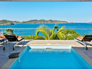 This villa rental offers an amazing view of the ocean and the sunset - Gustavia vacation rentals