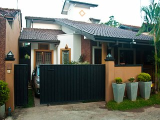 Home stay & meals for foreigners - Colombo vacation rentals