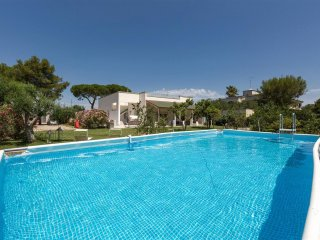483 Modern Villa with Pool near Lecce - Monteroni di Lecce vacation rentals