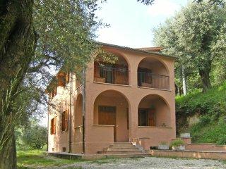 Villino panoramico con terreno alberato - Palombara Sabina vacation rentals