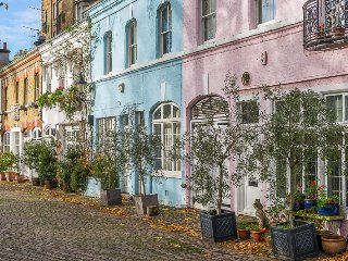 Ennismore Gardens Mews, pro-managed - London vacation rentals