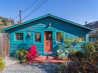 Classic beach cottage just steps from the ocean. - Stinson Beach vacation rentals