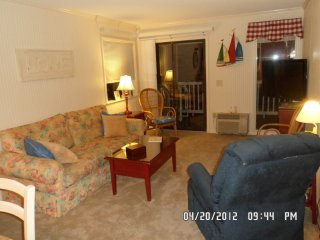 Shore Drive~Beachfront~Awesome Balcony View! - Myrtle Beach vacation rentals