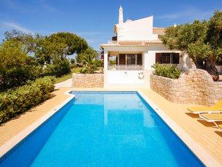Upto 14% off! Villa Ladeira - Albufeira vacation rentals