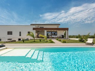 725 Villa with Pool in Leverano - Leverano vacation rentals