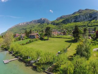 Waterfront Maison des Sources for 8 people, Annecy - Veyrier-Du-Lac vacation rentals