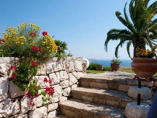 123 House in a Villa with Garden in Santa Cesarea Terme - Porto Badisco vacation rentals