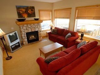 2 Bedroom Condo with Private Hot Tub in Kimberley - Kimberley vacation rentals