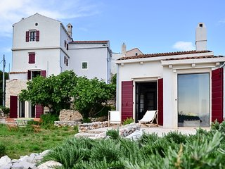 Comfortable 3 bedroom House in Martinscica - Martinscica vacation rentals