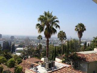Breathtaking 5BR Hollywood Hills-Pool & City Views - Santa Monica vacation rentals