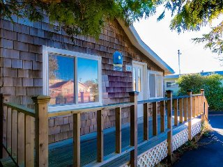 Perfect Location: Near Downtown, 5 min beach, Fast WiFi, Cable (Wind Catcher) - Long Beach vacation rentals
