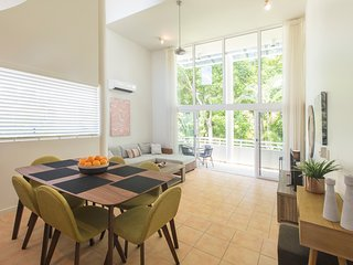Bright Port Douglas vacation Apartment with Internet Access - Port Douglas vacation rentals