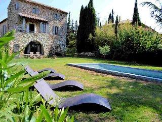 Uzès Gard, Charming stone house 10p private pool - La Bastide d'Engras vacation rentals