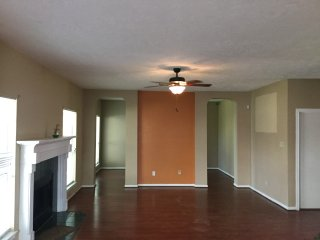 Bright 4 bedroom House in Katy - Katy vacation rentals