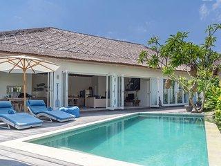 Escape - private two bedroom villa at Sandy Bay - Nusa Lembongan vacation rentals