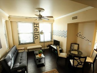 2bd 2bth Historic Bldg 2 miles from Disneyland! - Anaheim vacation rentals