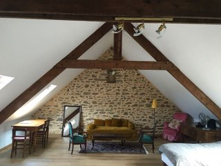 Loft in a barn by the Breton seaside - Cancale vacation rentals