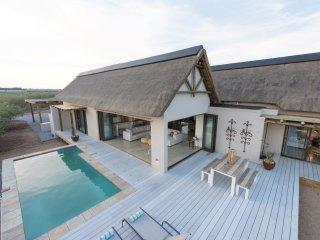 Villa Drakensig: luxury property surrounded by harmless wildlife - Hoedspruit vacation rentals