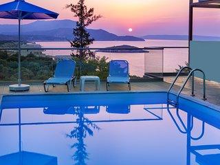 Alexis Zorba Luxury Villa. 2, 3, or 4 bedrooms. Views. Privacy. Close to beach. - Almyrida vacation rentals