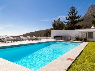 Contemporary 5-Star Camps Bay Villa - Serenity - Camps Bay vacation rentals