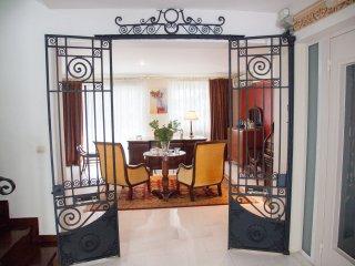 Luxury House Glyfáda Athens Saronic Golf View - Glyfada vacation rentals