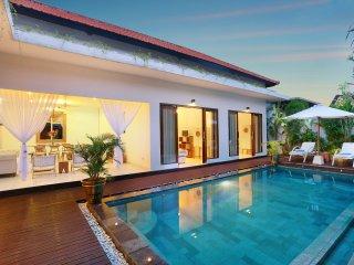 Villa Allegra, Luxury 3 bedroom Villa Oberio - Seminyak vacation rentals