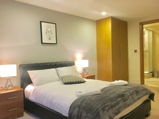 City Stay Aparts - Modern Apartment near Hyde Park, Bayswater 2 - London vacation rentals