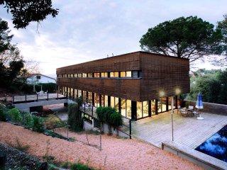 6/10 guests-15' Barcelona-Modern Villa–Biz/Vacation - Sant Cugat vacation rentals