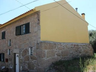 3 bedroom House with Parking in Sao Romao - Sao Romao vacation rentals