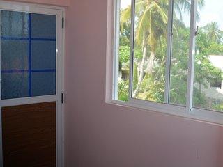 150meter from beach little costal town near by Hikkaduwa 10 minute long beach - Dodanduwa vacation rentals