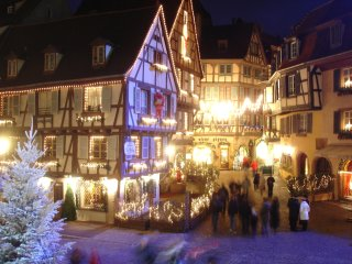 4*Rated Best City-Centre Apartment/2 Rooms, Large Beds, Fully Furnished, Parking - Colmar vacation rentals