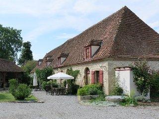 Chateau Embourg Appartement's: Paradies für Familien, Ort zum Entschleunigen - Souvigny vacation rentals
