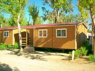 Beautiful Caravan/mobile home with Central Heating and Balcony - Rugat vacation rentals