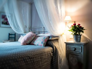 Romantic rooms in villa with view of Rome - Grottaferrata vacation rentals