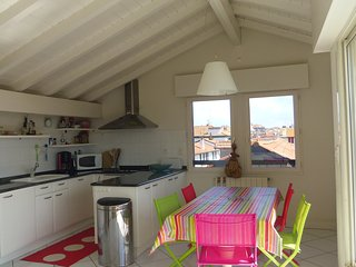 Tourasse 1 above the rooftops of Saint Jean de Luz and close to the beach - Saint-Jean-de-Luz vacation rentals
