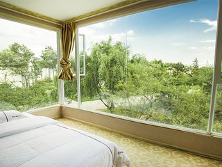 Traditional Minority 3 Bedroom Villa - Lijiang vacation rentals