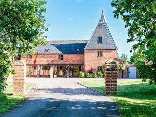HOP STORE luxury accommodation, courtyard garden, WiFi, Ledbury, Ref 931271 - Ledbury vacation rentals