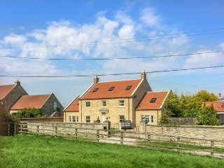 ST. HILDA'S HOUSE, stunning holiday home, six bedrooms, woodburners, Sky TV - Hovingham vacation rentals