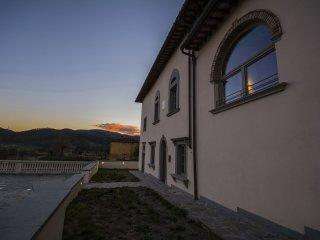 Villa San Giusto a Fortuna - Appartamento Pietra - San Piero A Sieve vacation rentals