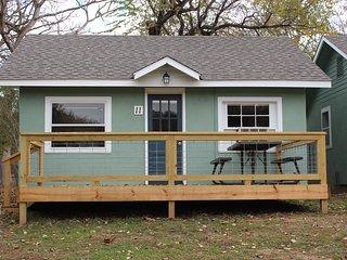 2bedroom cabin on lake taneycomo (Cabin#11) - Branson vacation rentals