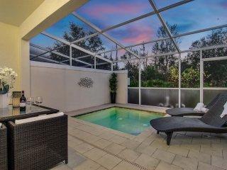 Serenity Dream: Luxurious Townhouse Located Near Disney! Southwest Facing! - Orlando vacation rentals