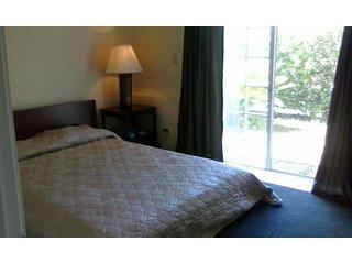 Good Value for your money (close to Hamilton) - Pembroke vacation rentals