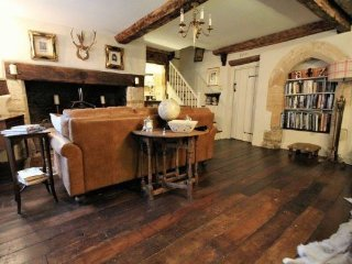 Tudor Cottage Romantic Cottage in Fairford Cotswolds, Once owned King Henry VIII - Fairford vacation rentals