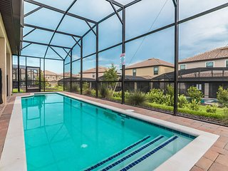 6 Bedroom Home POOL Gameroom close to Disney Golf - ChampionsGate vacation rentals