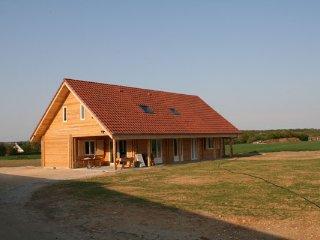 Perfect 7 bedroom Bernay-en-Ponthieu House with Internet Access - Bernay-en-Ponthieu vacation rentals