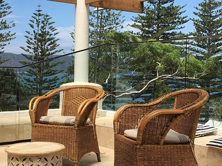 Perfect 4 bedroom Patonga House with Deck - Patonga vacation rentals
