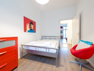 TOPFLAT III - CityApartment East Side Gallery - Berlin vacation rentals
