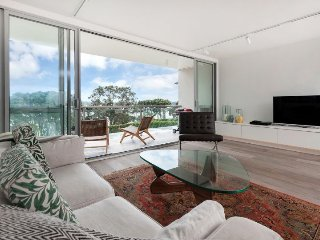 Herne Bay Auckland Waterfront Serviced 2 Bedroom Apartment Accomodation - Herne Bay vacation rentals