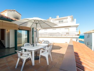 Costabravaforrent Farina 3, up to 4, 50m to beach - L'Escala vacation rentals
